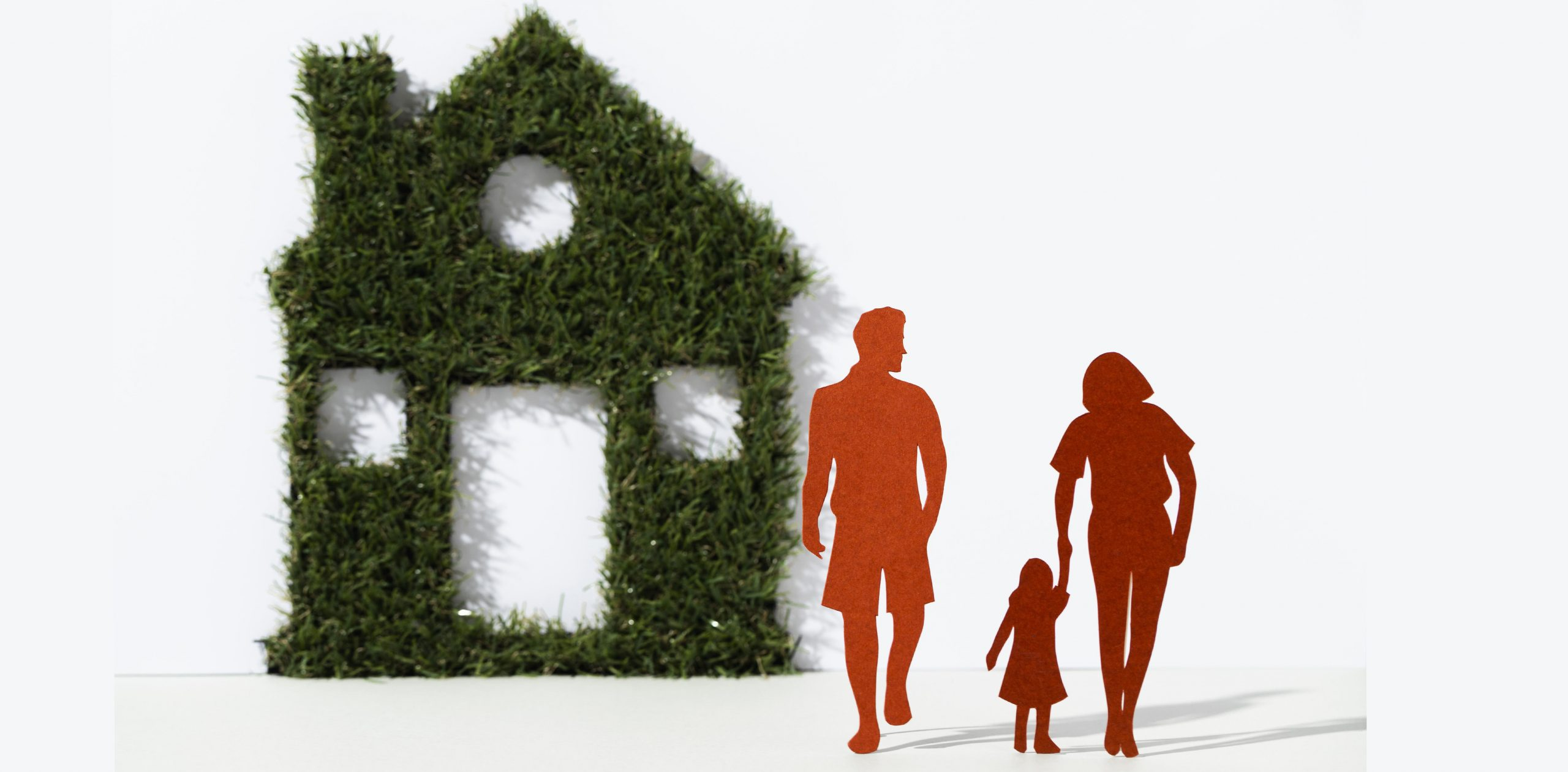 famille maison ecologique construction  individuelle Gard